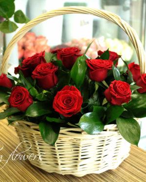 Корзина из роз