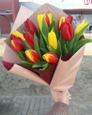 Тюльпаны в букет