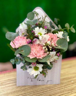 Весенний конверт с цветами