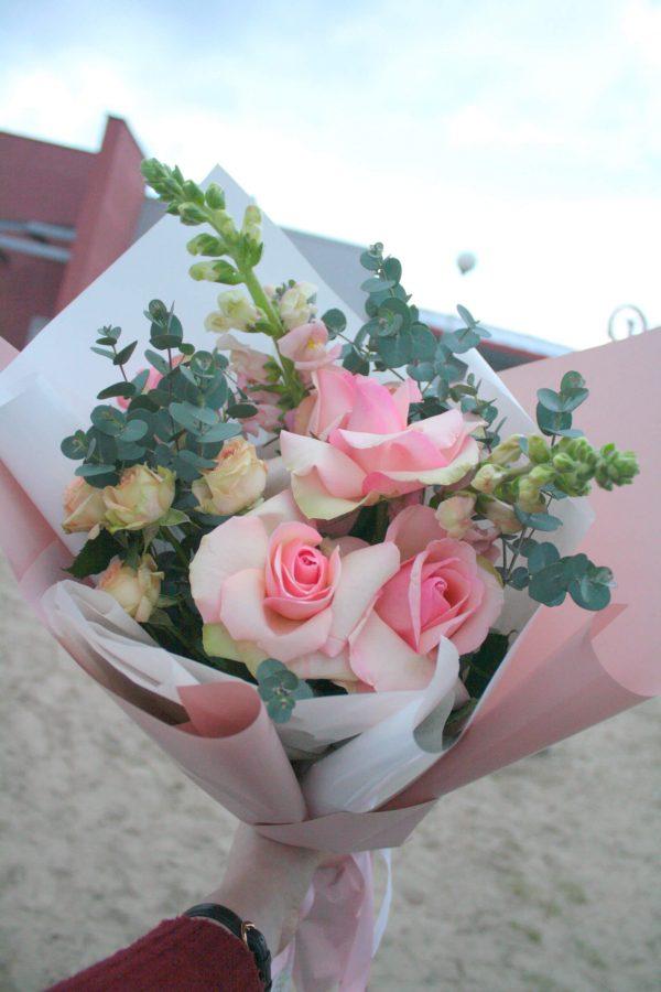 Стильный букет из роз