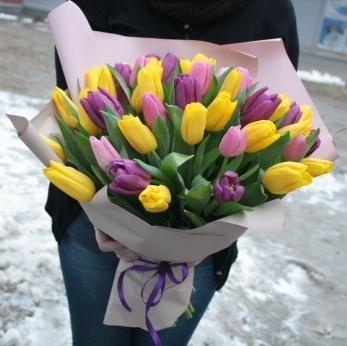 Большой букет из тюльпанов