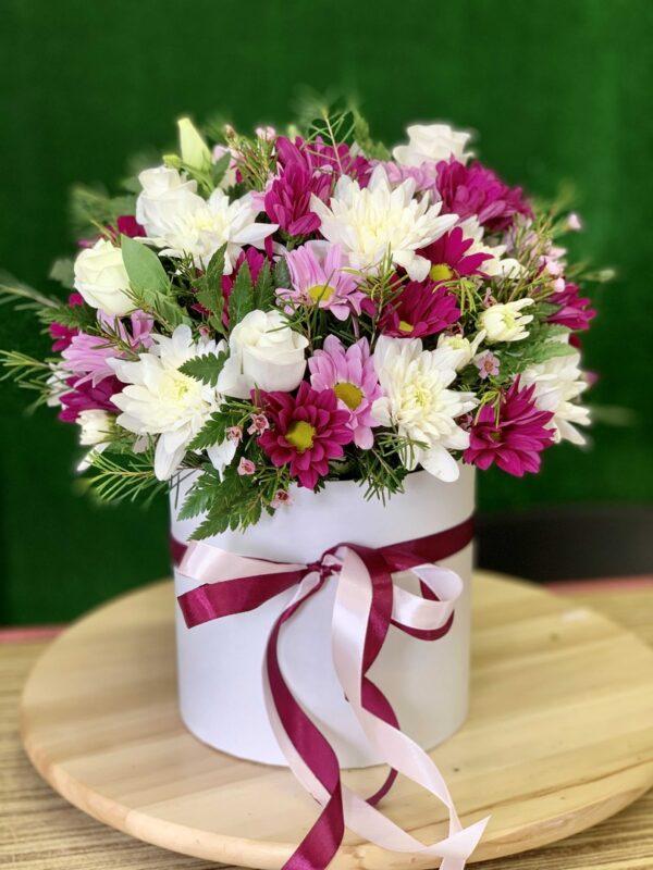 Цветы в цилиндре